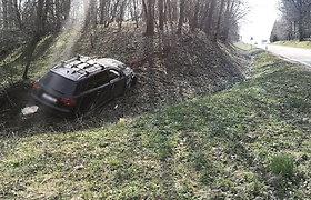 """Tauragės rajone """"Audi"""" lenkimo metu susidūrė su """"Hyundai"""""""