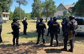 """Dėl migrantų Alytaus apskrities teritorijoje sustiprintas patruliavimas: pasitelktas """"Aras"""""""