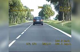 """Lenkijoje sustabdytas """"kelių piratas"""" – Lietuvos pilietis lėkė su BMW"""