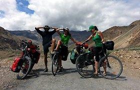 Kitokios atostogos – dviračiais per Himalajus: sunkus mynimas, pasakiški vaizdai, akmenų griūtys ir neblėstantis optimizmas
