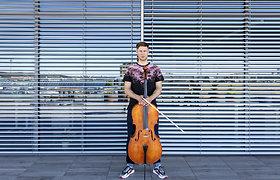 15min studijoje – violončelininkas Justas Kulikauskas-Future Cello