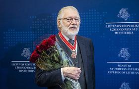 """Diplomatui Juozui Budraičiui įteiktas Lietuvos užsienio reikalų ministerijos garbės ženklas """"Lietuvos diplomatijos žvaigždė"""""""