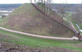 Merkinės piliakalnis naujai atsiveria lankytojams