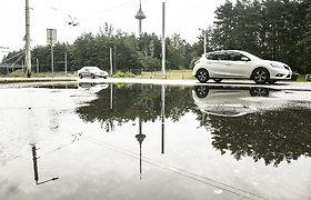 Vilnių nuplovė vasariškas lietus