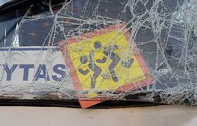 Beveik nutylėta autobuso avarija Mažeikiuose: aštuonmetei mergaitei lūžo pirštas