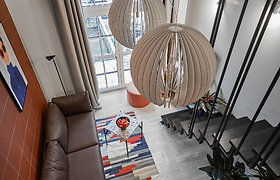 Namai gerai nuotaikai: originalus ir žaismingas lofto interjeras