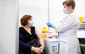 """SAM kanclerė J.Grebenovienė apie sprendimą dėl """"AstraZeneca"""" vakcinos: jos nauda kovoje su koronavirusu viršija visas rizikas"""