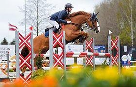Žirgų varžybos vyksta ir be žiūrovų – sportas neturi teisės mirti