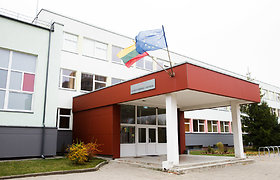Iš Vilniaus Radvilų gimnazijos į ligoninę išvežta 19 žmonių – dėl dujų atakos atšauktos visos pamokos