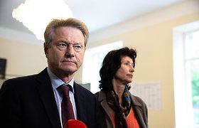 Rolandas Paksas su žmona balsavo Lietuvos prezidento ir Europos parlamento rinkimuose