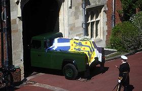 """Princą Philipą į paskutinę kelionę vežęs """"Land Rover"""""""