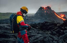 Islandijoje besiveržiantis ugnikalnis pradėjo lieti lavą iš trečio plyšio
