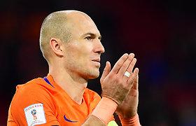 Nyderlandų futbolo legenda paskelbė apie karjeros pabaigą