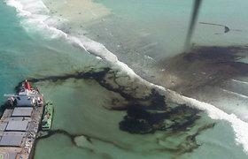 Mauricijų ištiko didžiausia šalies ekologinė katastrofa: iš laivo į poilsiautojų rojų išsiliejo tūkstančiai tonų naftos