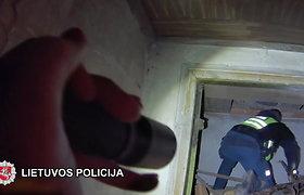 Pakruojo rajone policijos pareigūnai gelbėjo vyriškį