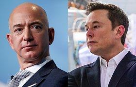 Elonas Muskas ir Jeffas Bezosas ginčijasi dėl Mėnulio. Ką tai reiškia?