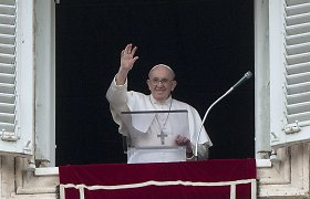 Popiežius ragina vengrus būti atvirus kitiems