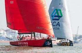 """Gotlando lenktynių iššūkis: """"Ambersail 2"""" ir """"Sailing Poland"""" bekompromisę kovą pradėjo Klaipėdos uoste"""