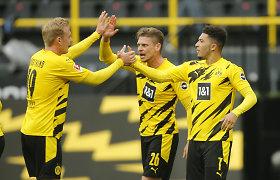 """Trilerį laimėjusi """"Borussia"""" kabinasi į ketvertą, """"Bayern"""" – Bundeslygos čempionai"""
