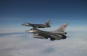 NATO oro policijos naikintuvai per savaitę keturis kartus kilo atpažinti Rusijos orlaivių