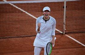 """Apibūdinti trūksta žodžių: jaunuolė iš Lenkijos sunaikino """"Roland Garros"""" favoritę"""