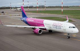 """""""Wizz Air"""" pakėlė bagažo kainas – norint pasiimti lagaminą teks mokėti daugiau"""
