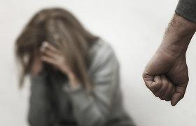 Rokiškyje labai girtas (3,21 prom.) vaikinas smurtavo prieš moterį