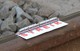 Vokietijos traukinių vairuotojai pasiekė susitarimą nutraukti streikus