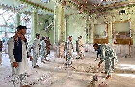 """Atsakomybę už sprogdinimą Kandaharo mečetėje prisiėmė """"Islamo valstybė"""""""