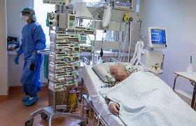 COVID-19 paciento gydymo kaina siekė ir per 100 tūkst. eurų: brangiausiai kainuoja atvejai, kai plaučius pakeičia mašinos