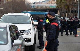 Ispanija nuo birželio 26 dienos atšauks reikalavimą dėvėti kaukes atvirose erdvėse