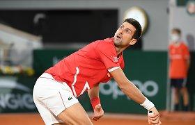 """Penkių setų trileryje – sunkus N.Džokovičiaus žingsnis į """"Roland Garros"""" finalą"""