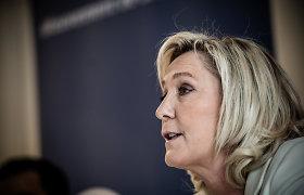 """Prancūzijos radikalė M.Le Pen kritikuoja """"katastrofišką"""" ES skiepijimo kampaniją"""