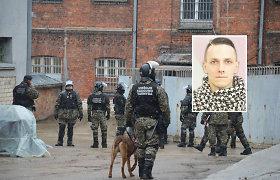 Iki gyvos galvos įkalintam D.Kriaučiūnui siūloma skirti papildomus 8 metus nelaisvės