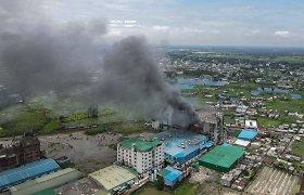 Po 59 žmonių gyvybes nusinešusio gaisro sulaikytas Bangladešo fabriko savininkas