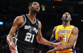 """Kobe Bryantas su dviem NBA galiūnais atsidurs """"Šlovės muziejuje"""""""