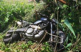 Nuo vilkiko atsiskyręs ratas rėžėsi į motociklininką – šis patyrė daugybę kaulų lūžių
