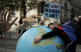 Londone per protestus sulaikyta daugiau nei 300 klimato aktyvistų