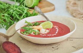 Pavasariui įsibėgėjus: trinta burokėlių sriuba su krevetėmis ir kokosų pienu