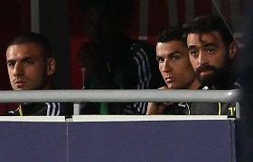 """Iš tribūnų """"Juventus"""" pergalę stebėjęs C.Ronaldo neliks be Čempionų lygos"""