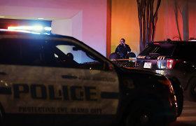 Detroite nuo bėgių nulėkė pavojingas medžiagas vežęs sąstatas