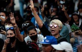 Tailando protestų anatomija: kodėl šalyje, kurioje draudžiama kritikuoti karalių, tūkstančiai žmonių išėjo į gatves