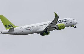 """""""Air Baltic"""" grynuosius nuostolius sumažino tris kartus"""