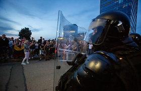 Tyrime dėl riaušių prie Lietuvos Seimo įtariamųjų skaičius padidėjo iki 50