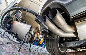 Naudoto BMW X5 pardavėjas suglumo: taršos mokestis – nuo 105 iki 240 eurų tam pačiam automobiliui?