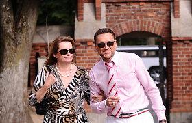 Andželiką Petrikytę vestuvių proga pasveikino ir Palangoje atostogaujantis Žilvinas Grigaitis su žmona Elle Martin