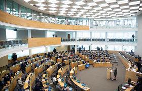 """Vardijo """"ilgamečius"""" Seimo narius, tačiau pamiršo bent 5 parlamentarus"""