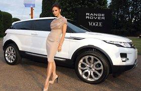 "Beckhamų šeima ir ""Land Rover"" bei ""Jaguar"" automobiliai"