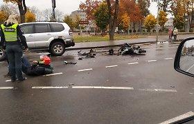 Tauragėje motociklininkas bloškėsi į visureigį, sustojusį prie pėsčiųjų perėjos