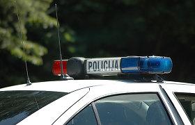 Panevėžio rajone apsivertus automobiliui nukentėjo vairuotojas